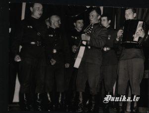Paplakas karavīru orķestris Sikšņu skolā