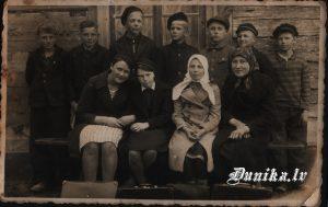 Otīlija Role- Kundziņa, Dunikas skolēni