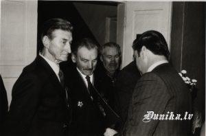 Jānis Stunga godina LTK dalībniekus- Jānis Puļķis, .........Trūbs