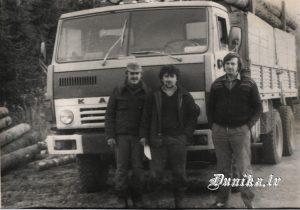 Šoferi Andris Ģirnis, Juris Lūrops un Gunārs Juzups.