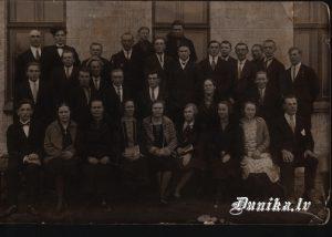 Sikšņu jauktais koris- diriģents Jānis Dižgalvis. Jānis Putra, Jānis Celms