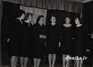 Sieviešu Ansamblis- Līvija Pese, Aina Leja(Tiļuga), Otīlija Kundziņa, Vilma Cvībele, Alma Role, Lidija Ozola