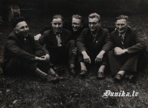 Vīru kora dalībnieki- Rūdolfs Laipnieks, Roberts Kazāks, Jānis Laipnieks, Jānis Puļķis.