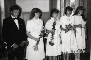 Pilngadības svētki Sikšņu skolā. Agris Znotēns, Sandra Upmale, Gita Lukāže, Nelda Ivanova, Solvita Grante