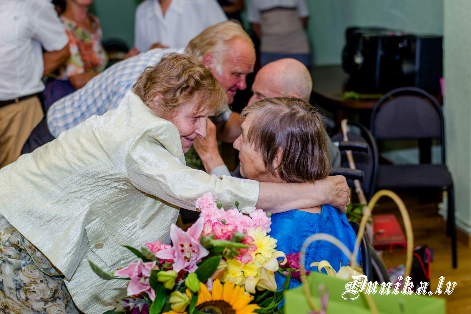 M.Pelīte un viņa Anniņa saņem sirsnīgus apsveikumus