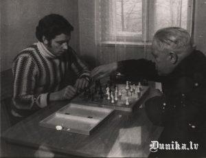 Šahs. Laimonis Innis.