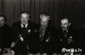 Lielā Tēvijas kara veterāni, no kreisās- Jānis Linde, Jūlijs Kundziņš, Zigfrīds Innis.