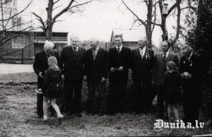 Lielā Tēvijas kara veterāni. No kreisās Šteibergs Fricis, Jūlijs Kundziņš, Klāvs Ozols, Jānis, Puļķis, Innis Zigfrīds, Kazimirs Kasparovičs, Miķelis Blūms.
