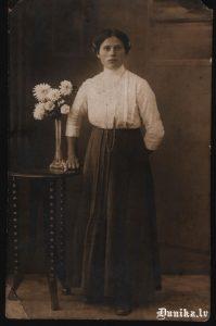 Kanderu Maiga, Ozolu Almas tēva māsa. Apglabāta Golgātas kapos.