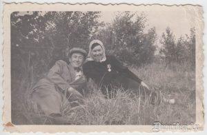 Tēvs ar māti.
