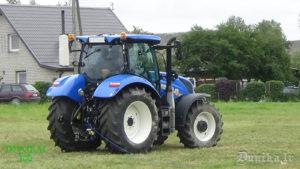 Atrakcijas ar traktoru. Nav viegli uztīt šnori uz rulona tā. nepavisam.