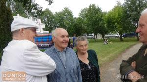Juris Janeks,Vilnis Rolis ar kundzi un Arvīds Rāts pirms pasākuma.