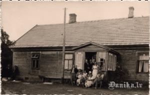 Dunikas pagasta nams 20. gs 20tajos gados.